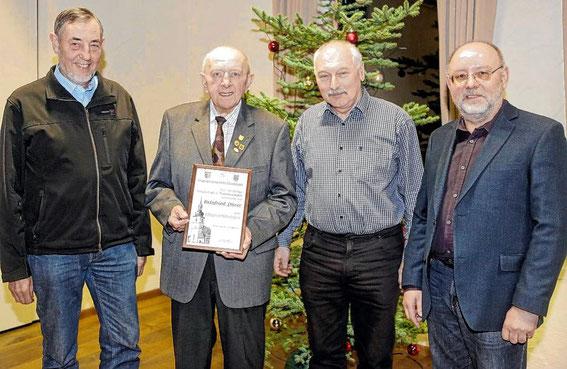 GV 1980 Höchheim - 2017- Reinfried Dürer übergibt den Vorsitz nach 37 Jahren an Gebhard Knoll