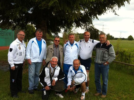 Herren 65 2014 - h.v.l. Hans-Jürgen Koch, Nick Kuhn, Wolfgang Cyffka, Hans Hackenberg, Günter Unfried, Georg Schröder - v.v.l. Walter Ruffing, Franz Keser