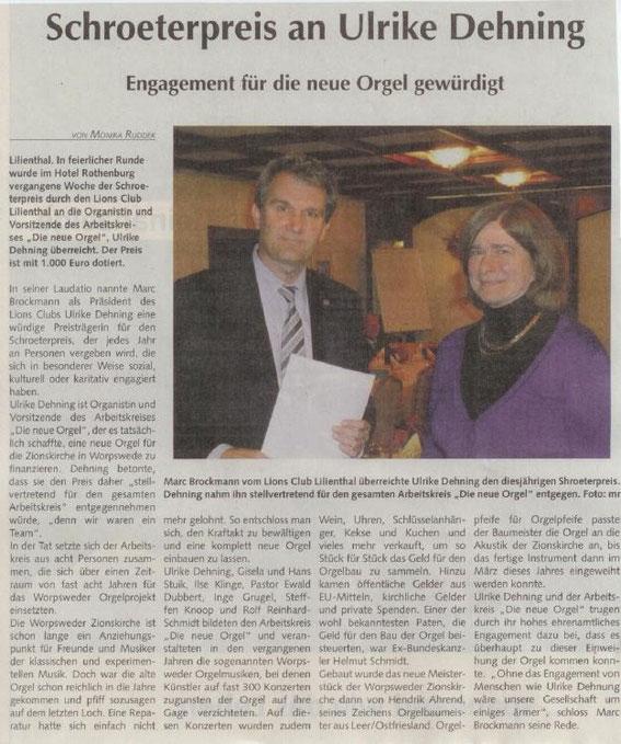 2012: Präsident Dr. Marc Brockmann übergibt den Schroeterpreis an Ulrike Dehning (Quelle: Osterholzer Anzeiger vom 7.10.2012)