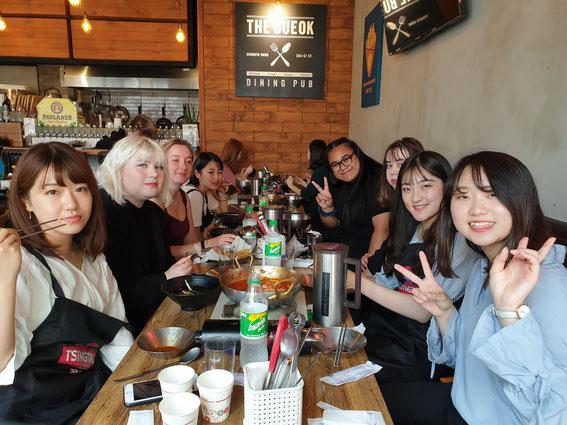2019年9月2日アコピアスクール1階の食堂:日本人インターン4名+フランス2名+ドイツ1名+オーストラリア1名