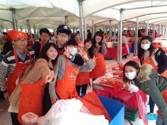 韓流週末キャンプの補助教師