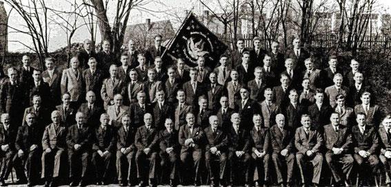 Männerchor 1954 - Fahnenträger Otto Lutz