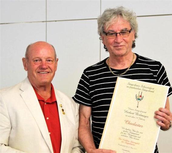 Goldene Stimmgabel für Chorleiter Herbert Bierlmeier -  2017