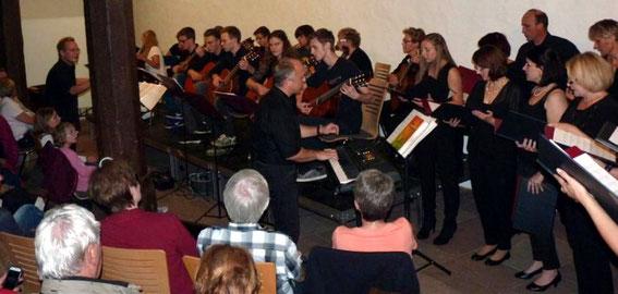 """PopChor´n und das Zupforchester """"Vielsaitig"""" - im Alten Rathaus -2017"""