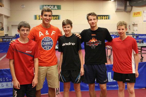 TTV-Nachwuchsspieler mit Fredi Jost und Ondrej Bajger (CZE)