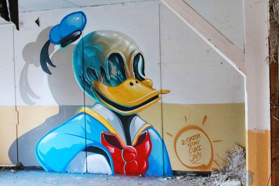 fassadenmalerei berlin graffiti k nstler fassade. Black Bedroom Furniture Sets. Home Design Ideas