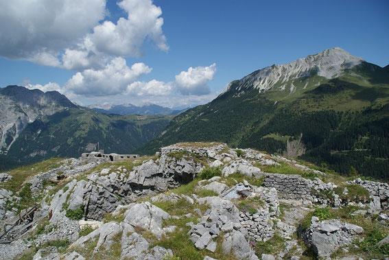 Am Gipfel des Freikofels mit dem Blick nach Norden (rechts der Polinik)