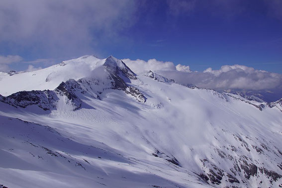Die nahe Hochalmspitze mit dem Großelendkess im Vordergrund