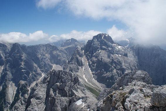 Wilde Julier, hier der Blick vom Gipfel  des Prisank zum Razor