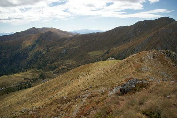 Im Südosten zeigt sich der Falkertspitz