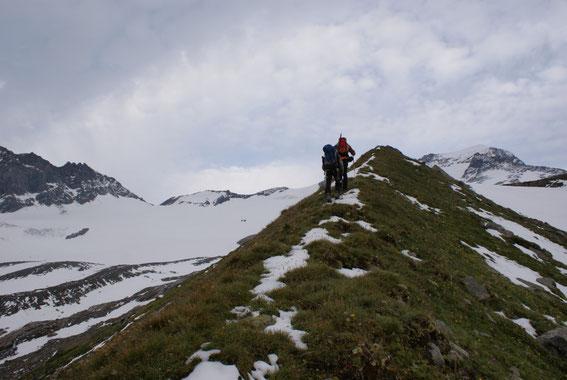 Aufstieg über die Moräne des Frosnitzkeeses