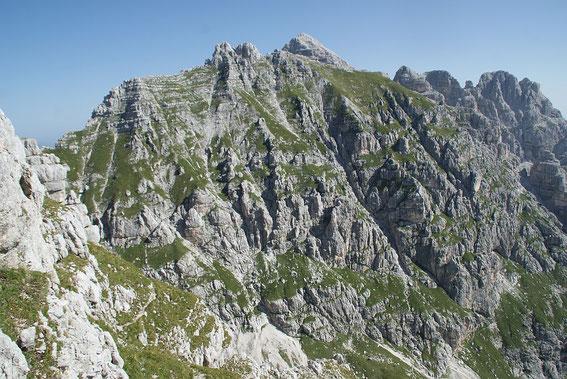 Die steile Südflanke der Kastreinspitzen (aufgenommen vom Sent. Merlone), durch welche der Sent. A. Goitan aufwärts führt.