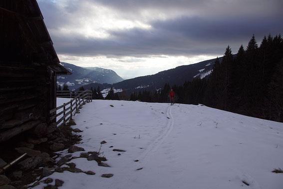 Bei der Alm in 1343m, Blick Richtung Villach