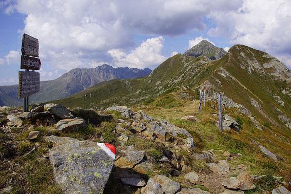 Am Koppen mit Blickrichtung nach Westen zum Kleinen und Großen Salzkofel, im Hintergrund links der Grakofel