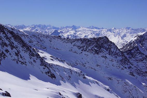 Blick vom Gipfel nach Südwesten