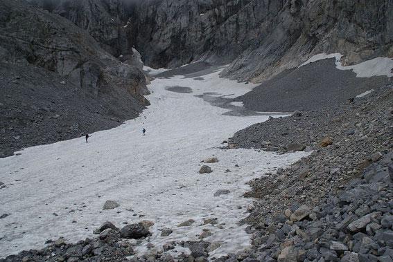 Der Blick über die Gletscherzunge hinauf zum Wandfuß