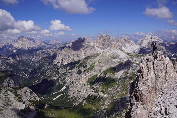 Am Gipfel des Paternkofels mit dem Blick nach Nordwesten