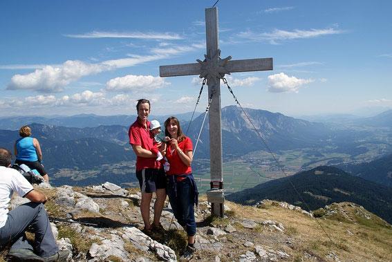 Die kleinste Gipfelstürmerin am Oisternig (Foto vom 11.8.2013)