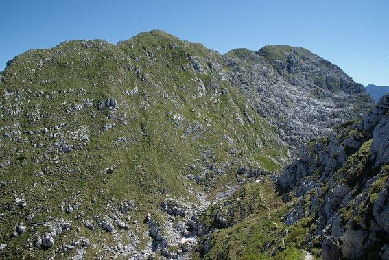 Jetzt erst kommt der Gipfel samt kurzem Abstieg in Sichtweite