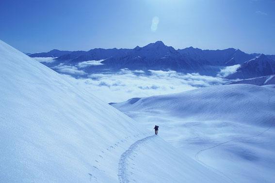 Die letzten 150m zum Gipfel, im Hintergrund der Polinik