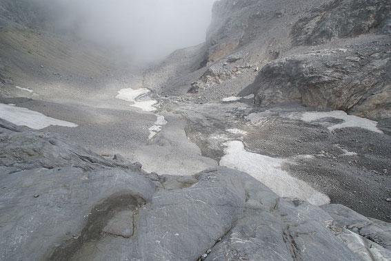 Blick hinunter in die Gletscherzunge