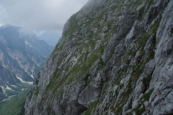 In der steilen Südflanke zum Mangart