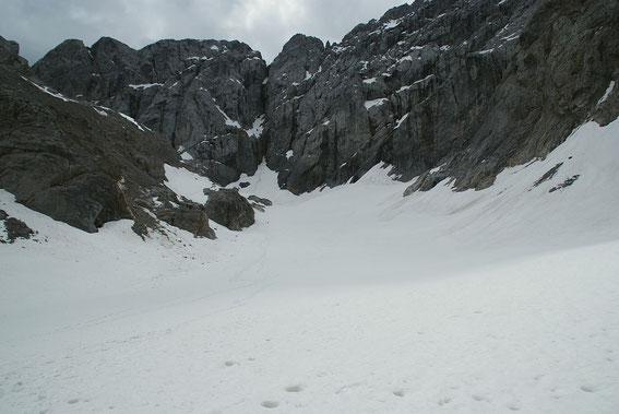 Blick über die Gletscherzunge hinauf zur Kellerwand
