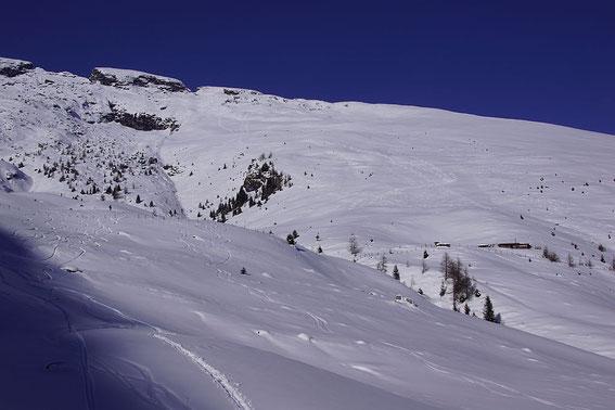 Rückblick von der Südseite des Rauchenbachs zur herrlichen Gipfelflanke