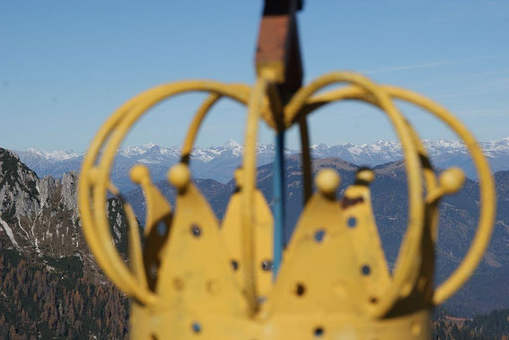 Der Königsberg (Monte Re) lässt hinter seiner Krone den König Österreichs, den Großglockner, erkennen