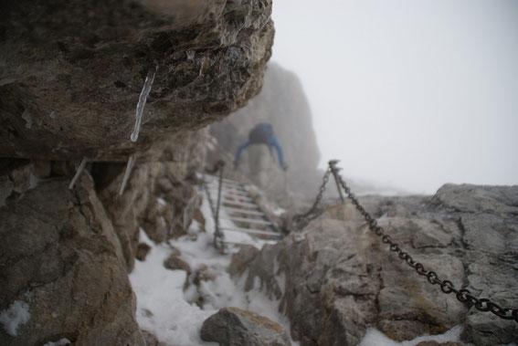 Die Leiter knapp unter dem Gipfel