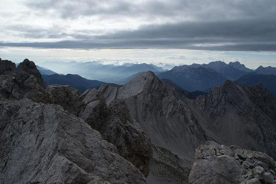 Im Südosten grüßen die Karnischen Alpen