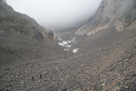 Die Gletscherzunge wird nächstes Jahr vom Hauptgletscher abreißen, dann gibt es zwei Gletscherchen im Eiskar :-(