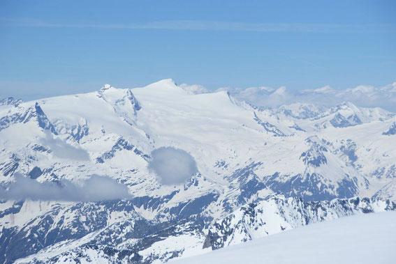 Blick vom Gipfel des Johannisberges nach Westen zum Großvenediger