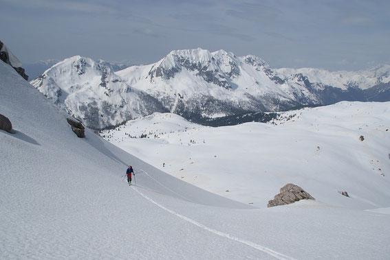 Aufstieg durch das kleine Kar Richtung Zottachkopf, im Hintergrund der Monte Zermula