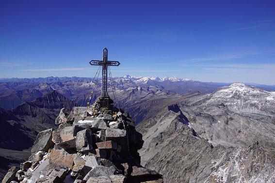 Traumhafter Blick mit Gipfelkreuz und Glockner, 26.9.2018