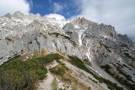 Schon die letzten Meter zu den sperrenden Felswände