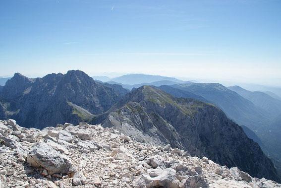 Der Blick nach Osten reicht bis zum Bachergebirge