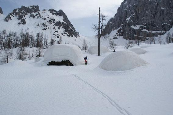 Die Schneemengen 2014 sind einfach beeindruckend, im Hintergrund der Große Sattel
