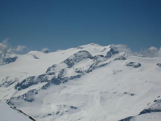 Im Süden zeigt sich die Hochalm (3360m)