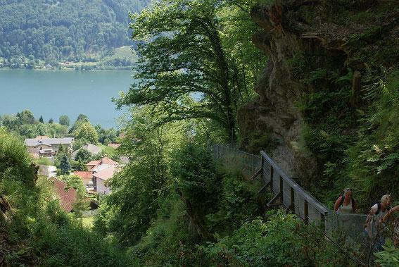 Im Sommer bietet sich nach der Wanderung eine Abkühlung im See an.