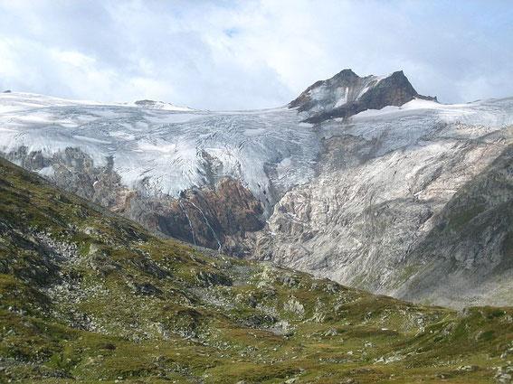 Blick in das Kleinelendtal mit dem sich stark zurückziehenden Kleinelendkees sowie dem Grubenkarkogel (3001m)