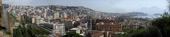 Naples et la baie de Naples sous la menace du Vésuve