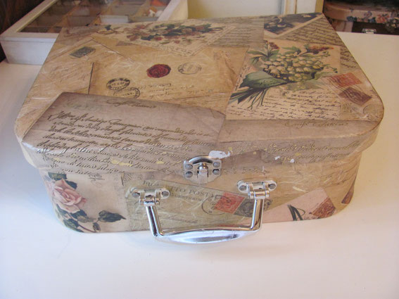 Чемоданчики  для рукоделия и хранения милых мелочей декупаж.