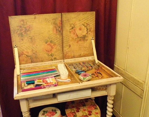столик, рукоделие, мебель своими руками, шебби шик, розочки,
