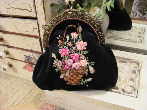Вышивка крестиком и бисером. вышитые сумки, вышивка бисером , вышивка гладью, вышивка крестиком,вышивка лентами на сумке