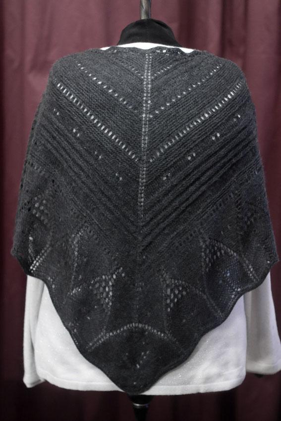 Вязаная шаль  спицами..вязаная шаль вязание на спицах вязаный шарф шапка варежки вязать