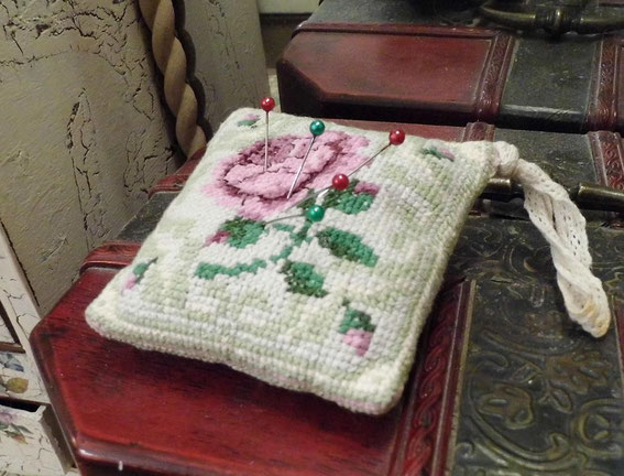 Бискорню схемы вышивки игольниц игрушка ручной работы мишки тедди