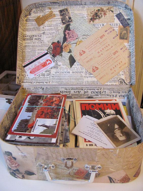 декупаж чемоданчика для открыток