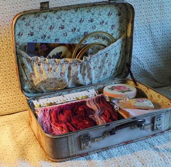 старый чемодан, декупаж, вышивка