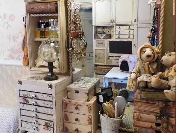 шебби шик, зеркало, мишки Тедди, игольница, комната в стиле шебби шик, ремонт свотми руками